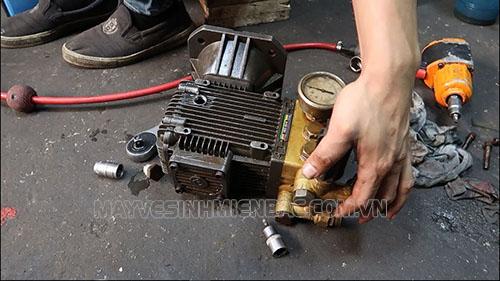 Sửa chữa máy rửa xe cao áp nhanh nhất với một số lỗi phổ biến