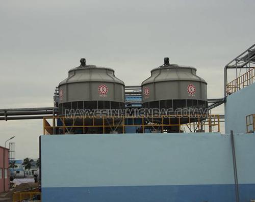 Tháp giải nhiệt là gì? Ứng dụng của tháp hạ nhiệt nước