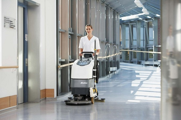 Máy chà sàn liên hợp đảm bảo cho yêu cầu vệ sinh của bệnh viện