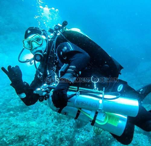 Sử dụng bình khí nén thợ lặn đúng cách