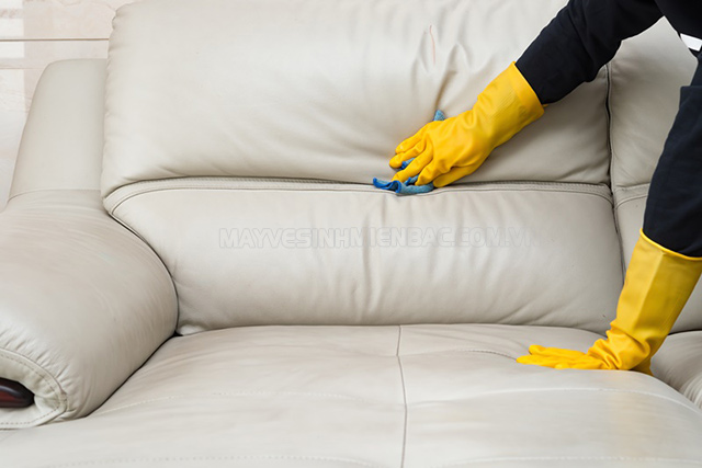 cách giặt ghế sofa da
