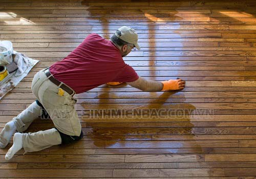 Đánh bóng sàn gỗ bằng hóa chất