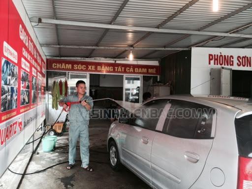 Áp lực nước cũng ảnh hưởng đến giá của máy rửa xe