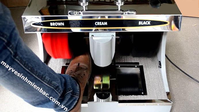 Những nguyên nhân khiến máy đánh giày không lấy được xi