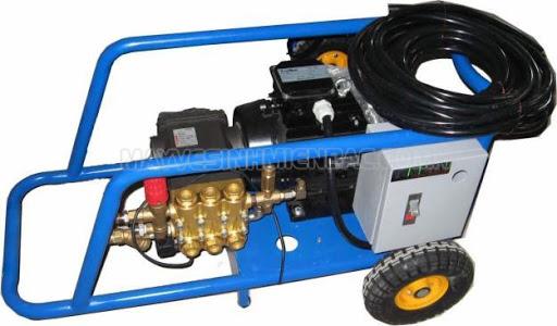 Máy rửa xe V-jet có thiết kế hiện đại dễ dàng di chuyển