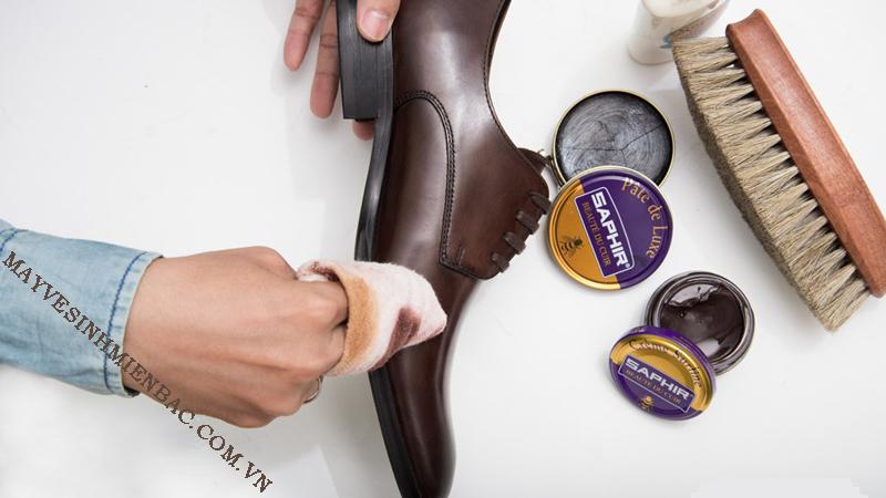 Tổng hợp các loại xi đánh giày phổ biến trên thị trường hiện nay