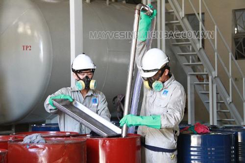 Những lưu ý khi sử dụng hóa chất vệ sinh công nghiệp