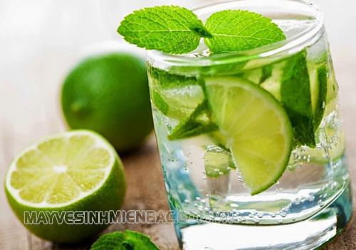 Hướng dẫn cách rửa ly thủy tinh bị ố siêu sạch