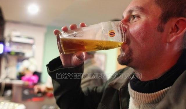 cách uống bia không say không đỏ mặt