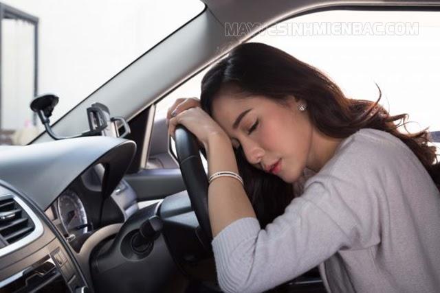 nguyên nhân dẫn đến mùi trong xe ô tô