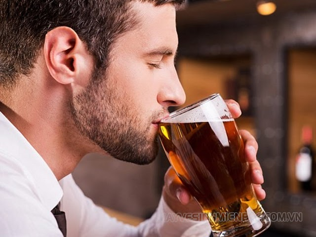 cách uống bia nhanh say nhất